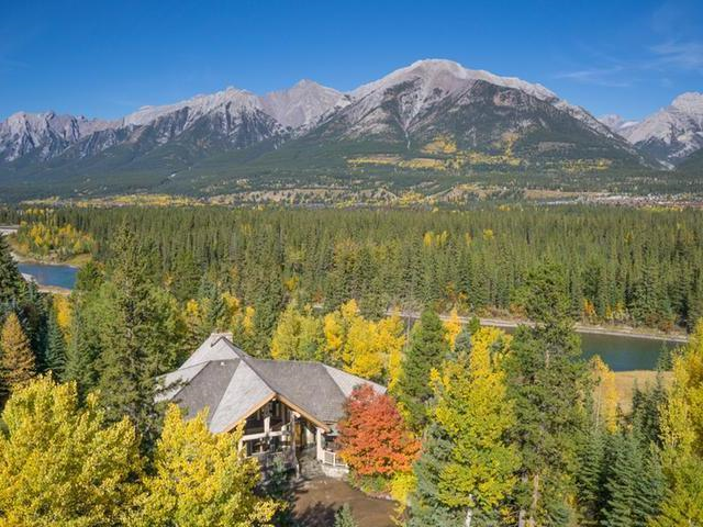 Canmore Luxury Mountain Home